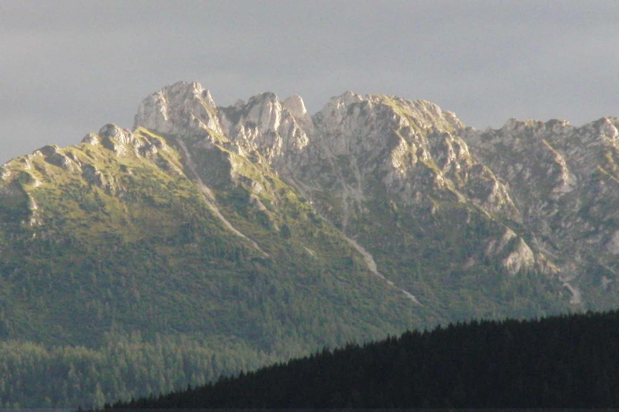 Der Kamm muss eine eigne Beleuchtung haben - Blick von Sonnenalm Bad Mitterndorf
