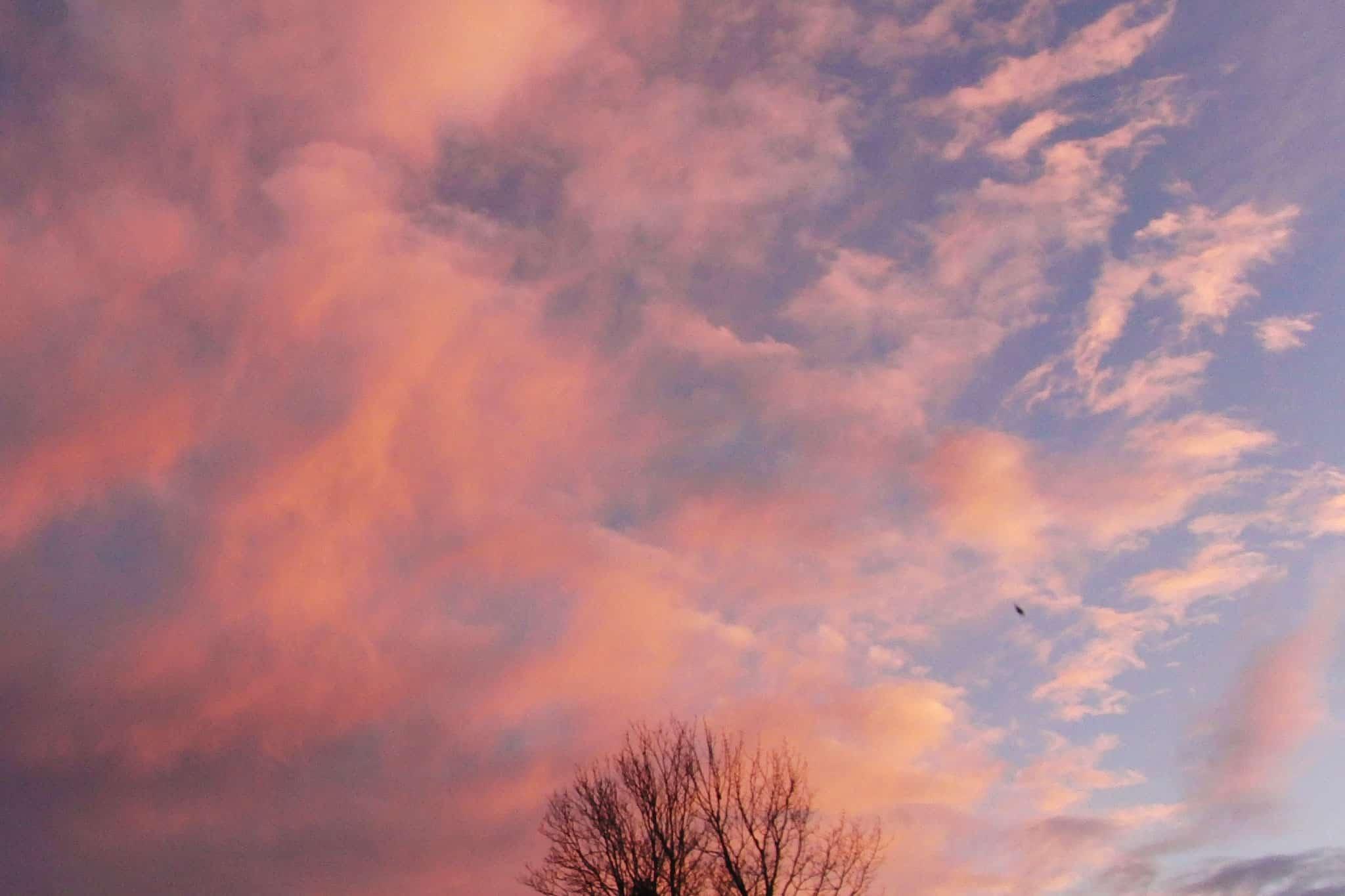 Rosa Wolken am Himmel - Richtung Grimming - Sonnenalm Bad Mitterndorf